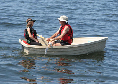 Rowboat_with_oars